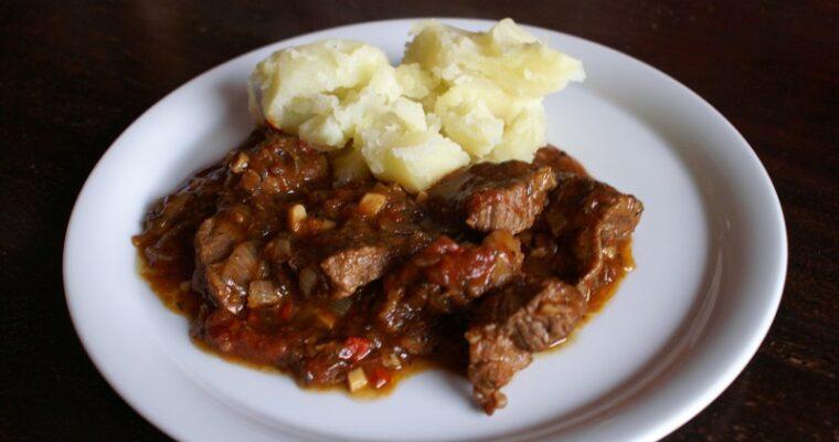 Zuid-Afrikaanse bredie van lamsvlees